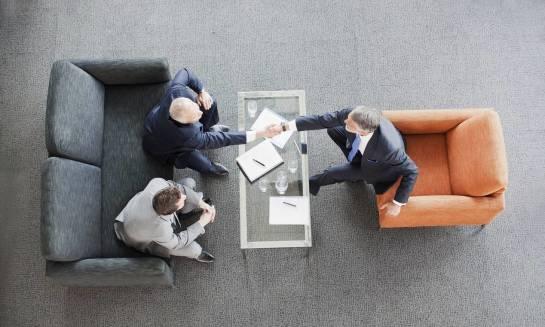 Czy koncesje i zwolnienia podlegają dziedziczeniu wraz z firmą?