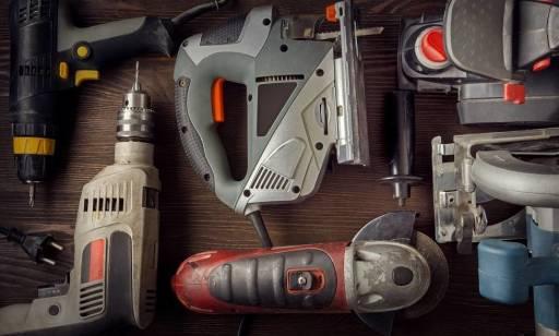 Które narzędzia budowlane warto kupić, a które wynająć?
