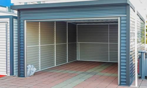 O czym trzeba pamiętać przed zakupem garażu stalowego?