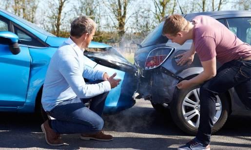Czy kolizja samochodem bez ważnego badania technicznego przekreśla możliwość uzyskania odszkodowania?