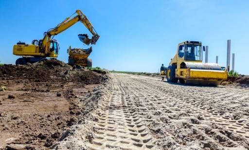 Kiedy i w jaki sposób wykonuje się niwelację terenu?