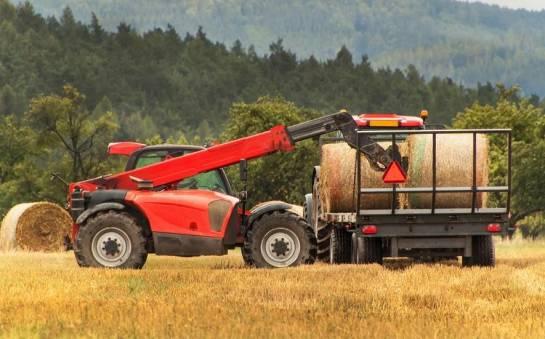 Zastosowanie ładowarek w rolnictwie