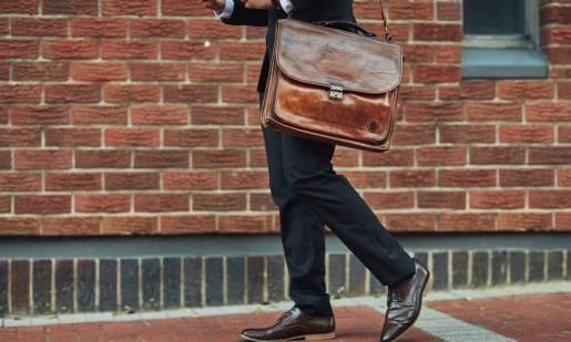 Męska skórzana torba na laptopa sposobem na połączenie elegancji z funkcjonalnością