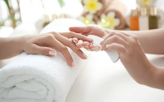 Metody manicure. Jak dbać o paznokcie u rąk?