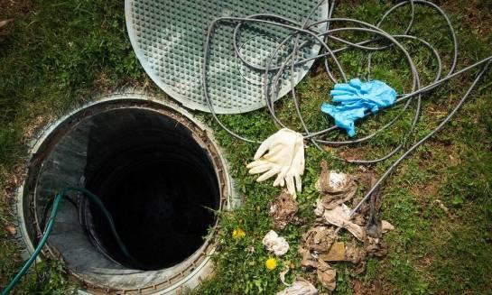 Jak udrożnić zatkaną kanalizację?