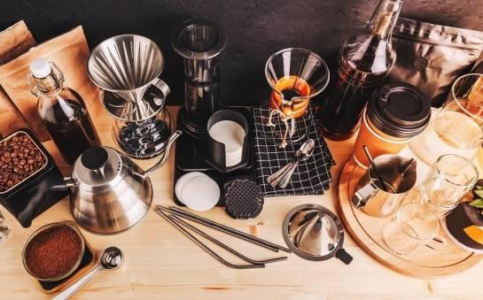 Akcesoria przydatne do parzenia kawy