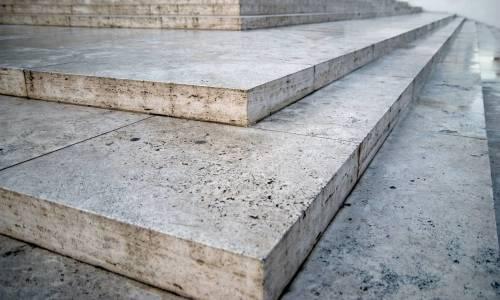 Czy granit do dobry materiał na schody?
