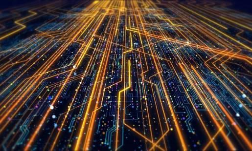 Jakie cechy powinna mieć dobrze zaprojektowana sieć informatyczna?
