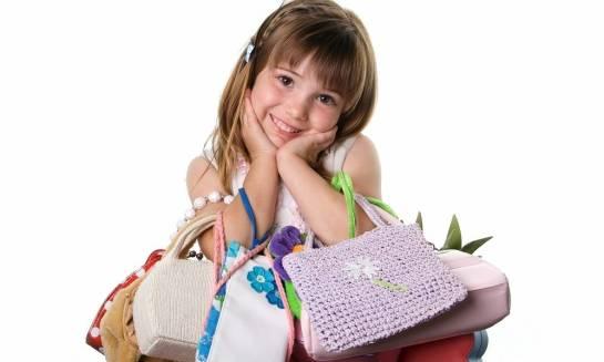 Czy warto kupić torebkę małej dziewczynce?