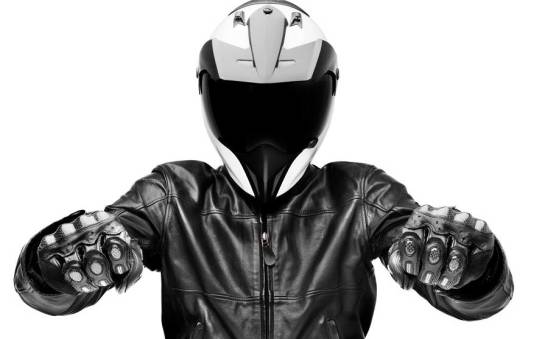 W czym tkwi fenomen skórzanych kurtek motocyklowych?