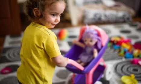 Personalizowane wózki dla lalek. Jak sprawić dziecku unikatową zabawkę?
