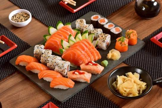 Owoce morza jako jedna z podstaw kuchni japońskiej. Wyśmienite dania azjatyckie z krewetkami i nie tylko