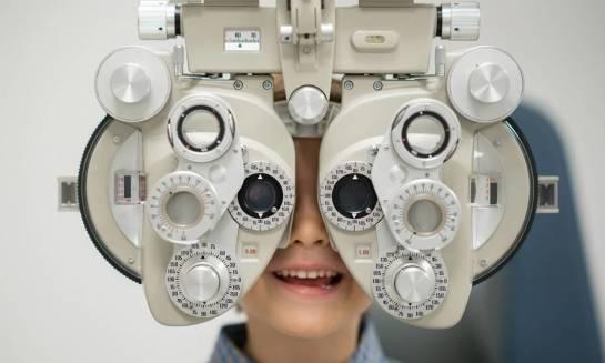 Kiedy warto wybrać się z dzieckiem na badanie okulistyczne?