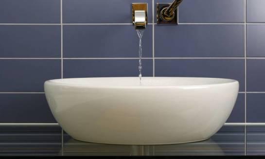 Nablatowa, wpuszczana czy wolnostojąca, jaką umywalkę wybrać do łazienki?