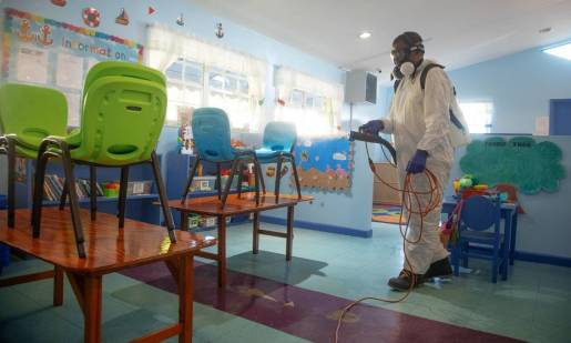 W jaki sposób dezynfekować placówki oświatowe - szkoły i przedszkola?