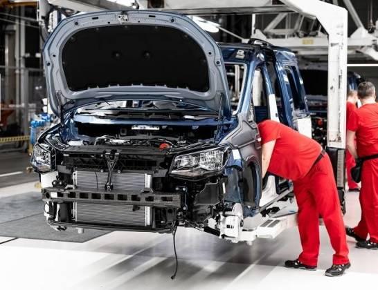 Dozór techniczny podnośników samochodowych