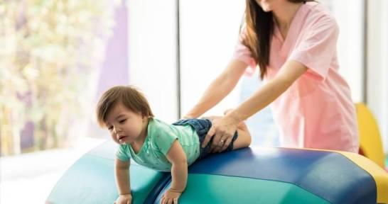Kiedy udać się z dzieckiem do fizjoterapeuty?
