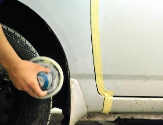 Po zimie. Jak sprawdzić, czy samochód nie rdzewieje?