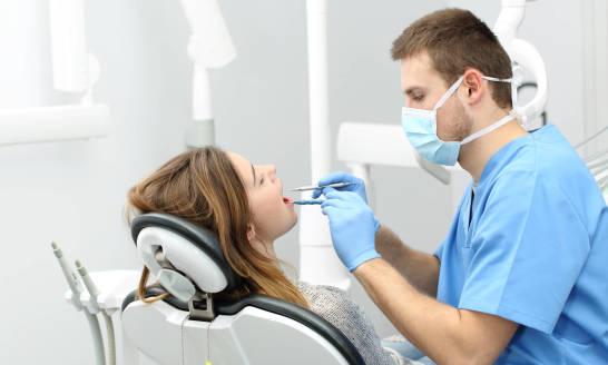 Kiedy zdecydować się na wizytę u ortodonty?
