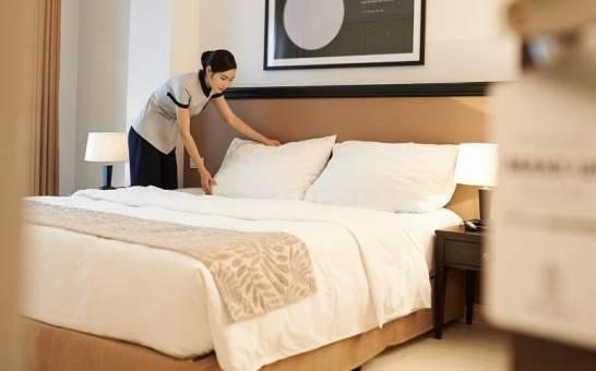 Pokój hotelowy. Podstawowe elementy wyposażenia