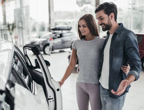 Umowa kupna-sprzedaży samochodu – najistotniejsze informacje