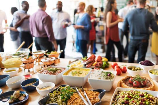 Jak zorganizować udane przyjęcie firmowe?