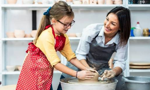 Jak wyglądają warsztaty ceramiczne dla dzieci?