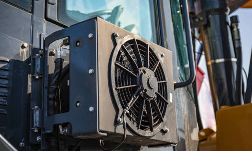 Czy ciągnik rolniczy może być wyposażony w klimatyzację?