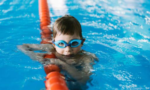 Gogle korekcyjne do pływania – wydatek wart rozważenia?