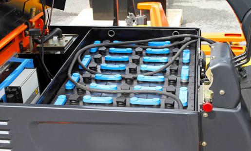 Rola baterii trakcyjnych w wózkach widłowych