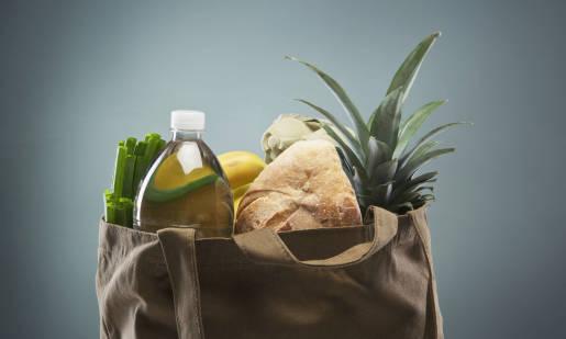 Jak przeprowadzić bezpiecznie spożywcze zakupy?