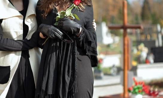 Jak przebrnąć przez żałobę?