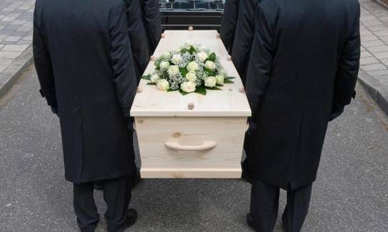 Co trzeba zrobić, aby uzyskać zgodę na przywiezienie zwłok zmarłego z zagranicy?