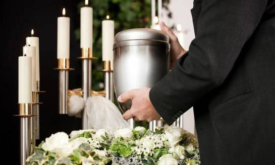 O czym pamiętać przy organizacji pogrzebu z kremacją?