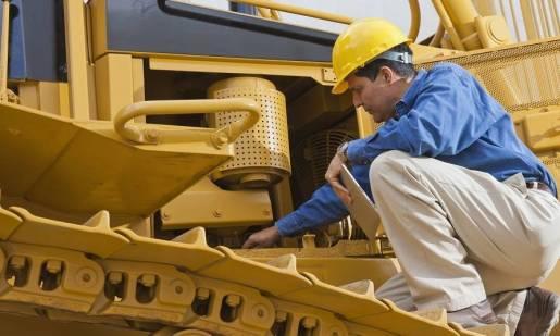 Kiedy warto zdecydować się na przegląd maszyn budowlanych?