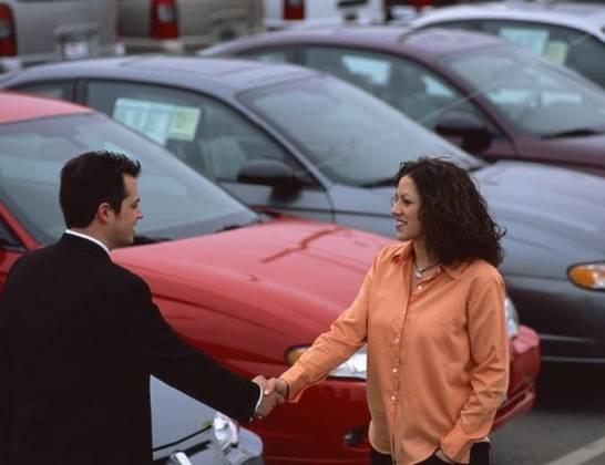 Jak sprawdzić komis samochodowy?