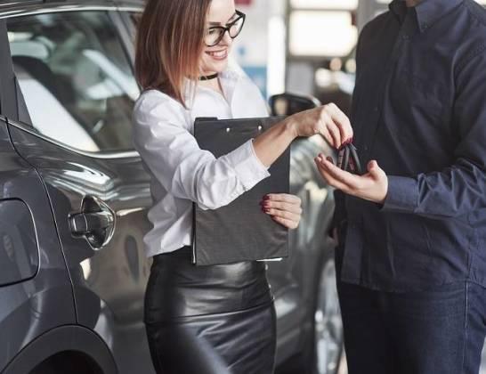Formalności przy zakupie nowego auta. O czym należy pamiętać?