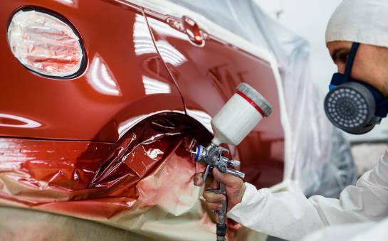 Profesjonalne lakierowanie samochodu – jak wygląda i ile kosztuje?