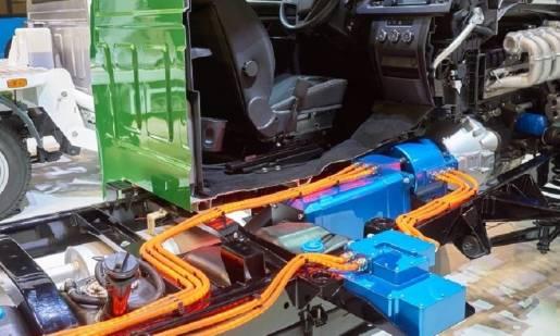 Jak dbać o przewody hamulcowe w samochodzie?