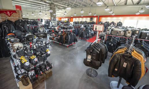 Kufer, sakwy czy plecak? Jak i w co spakować się na motocykl?