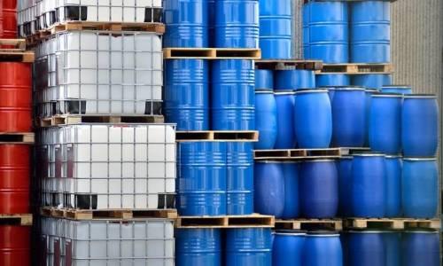Dlaczego polietylen to dobry materiał na zbiorniki do paliw?