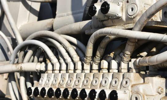 Co to znaczy, że rozdzielacz hydrauliczny jest monoblokowy?