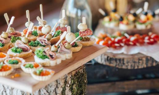 Organizacja spotkania firmowego z pomocą firmy cateringowej