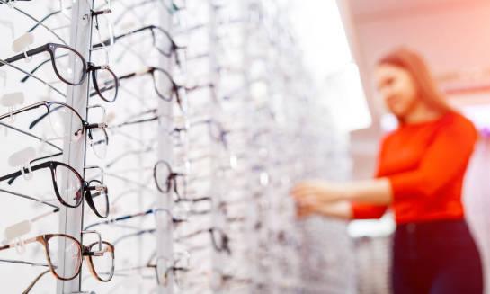Okulary z polaryzacją czy bez? Zalety i wady