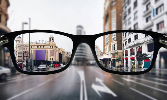 Czy warto kupić okulary progresywne?