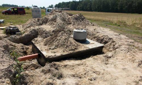 Czy przydomowa oczyszczalnia ścieków może działać sprawnie na gliniastym gruncie?