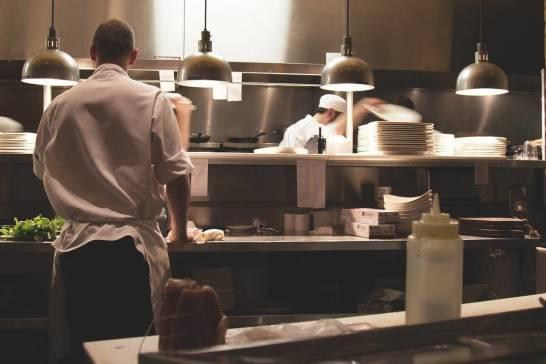 Jak utrzymać właściwy poziom czystości w kuchni?