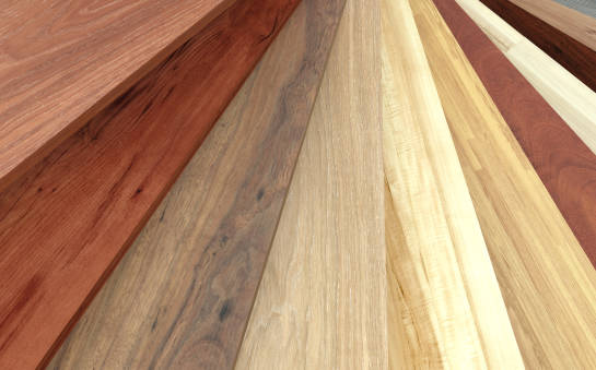 Powierzchnie podłogowe – panele laminowane czy drewno? Co wybrać?