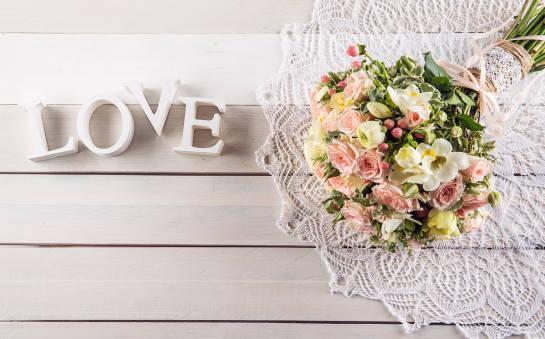 Kwiaty jako prezent – dobierz rodzaj do okazji
