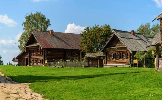 Domy z drewna i domy z bali drewnianych – technologia